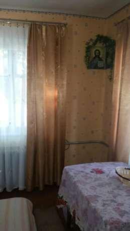 Продам дом в смт Гребенки