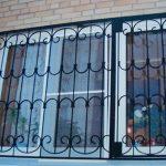 Защитные решетки на окна и балконы