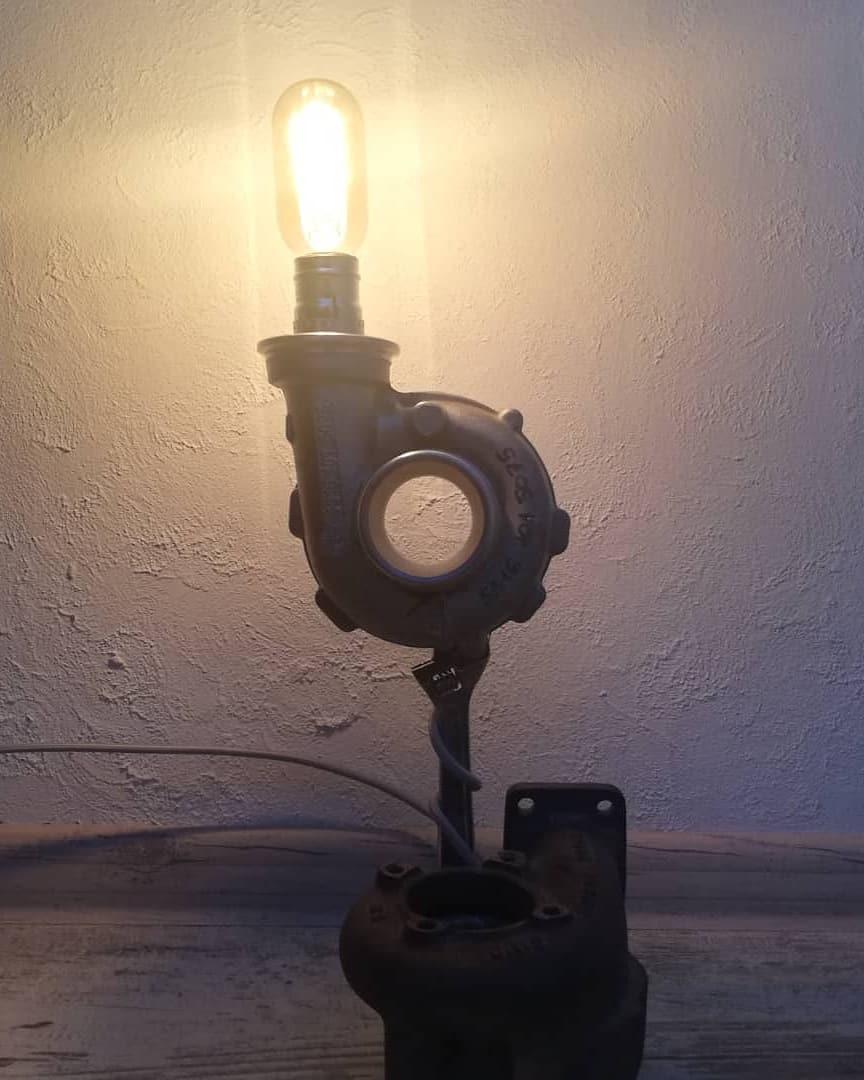 Світильник з турбіни Лофт