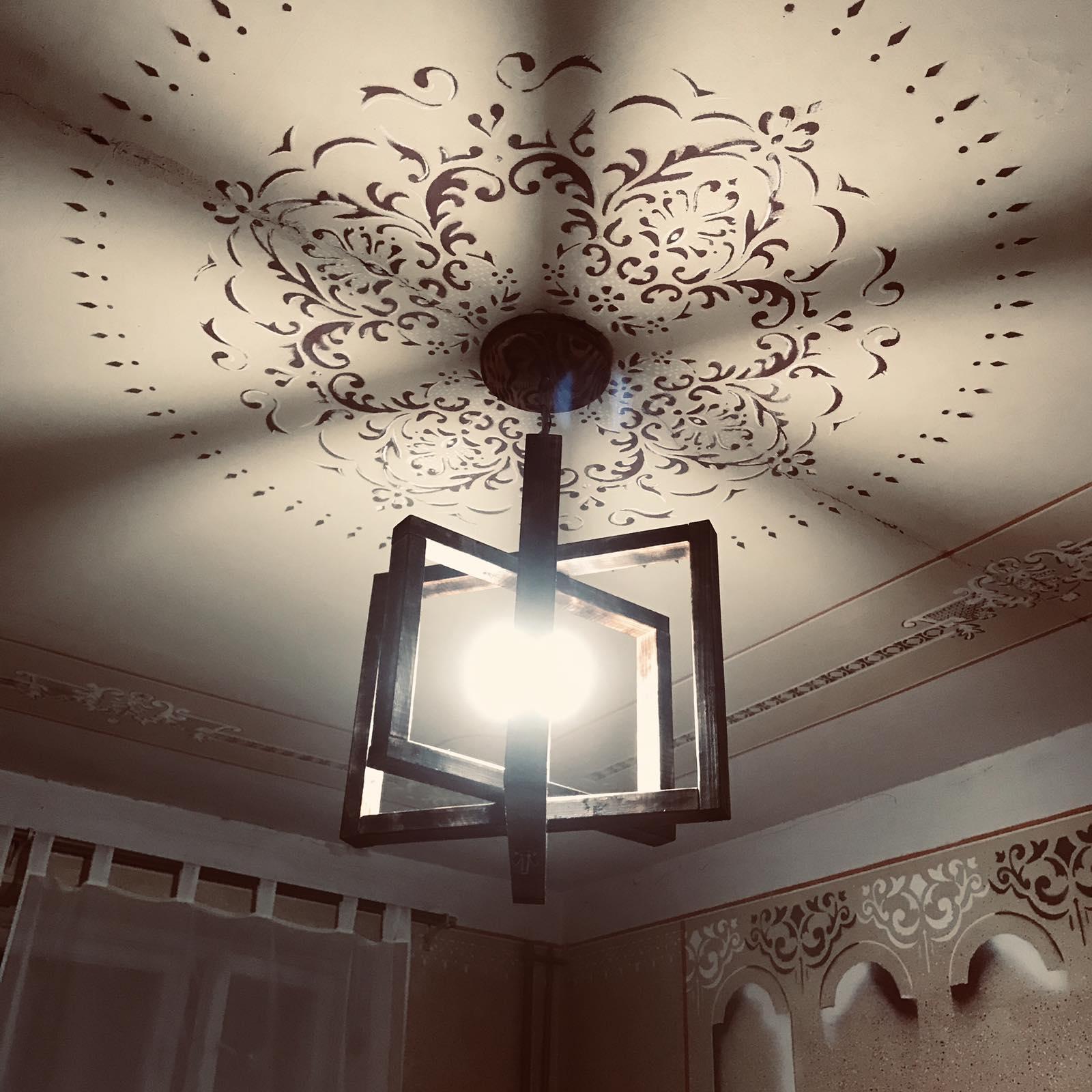Стельовий світильник в стилі лофт,